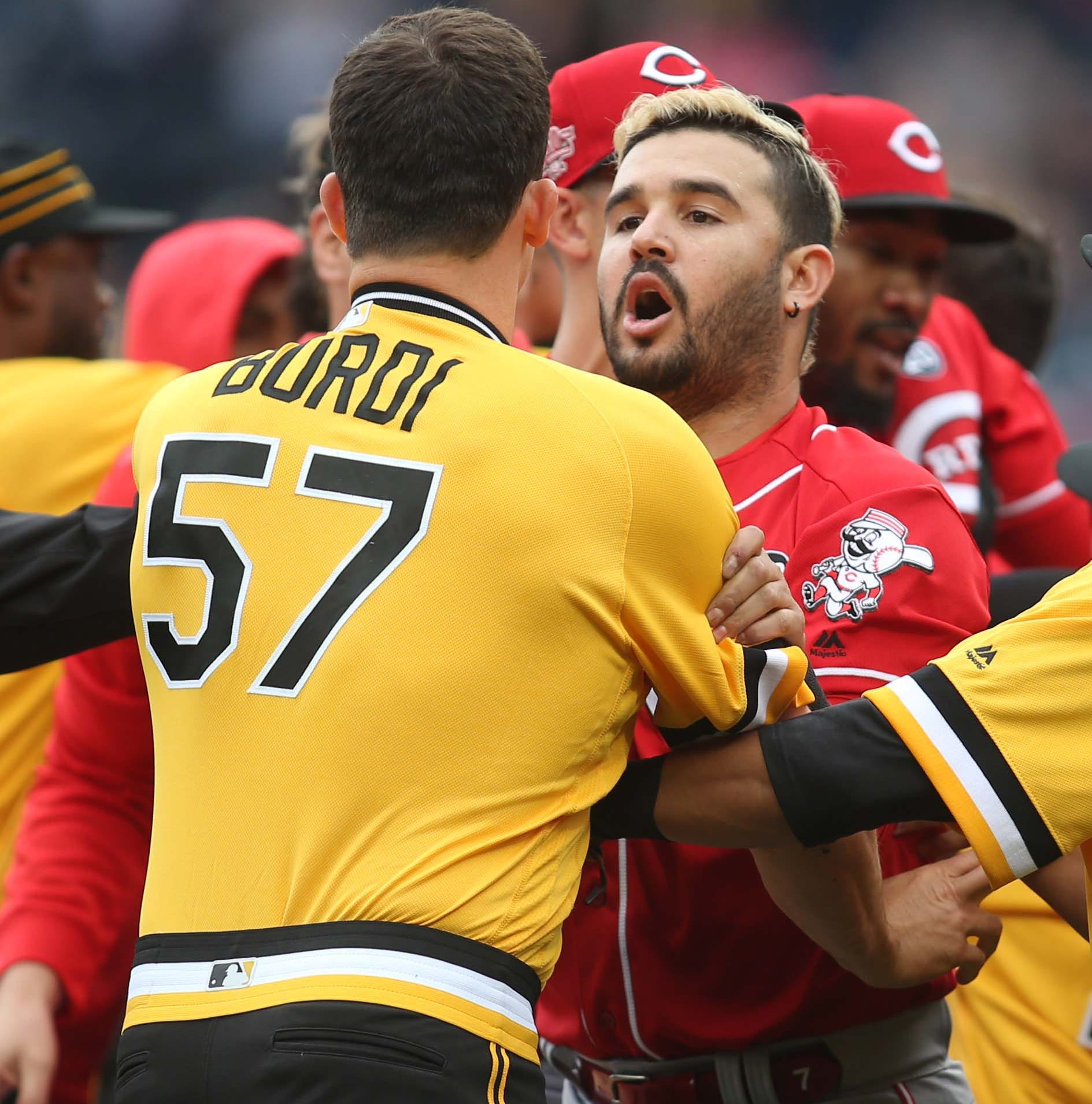5 ejected after a benches-clearing incident between Cincinnati Reds, Pittsburgh Pirates