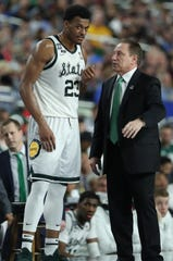 Tom Izzo, right, with Xavier Tillman during the 2019 Final Four.