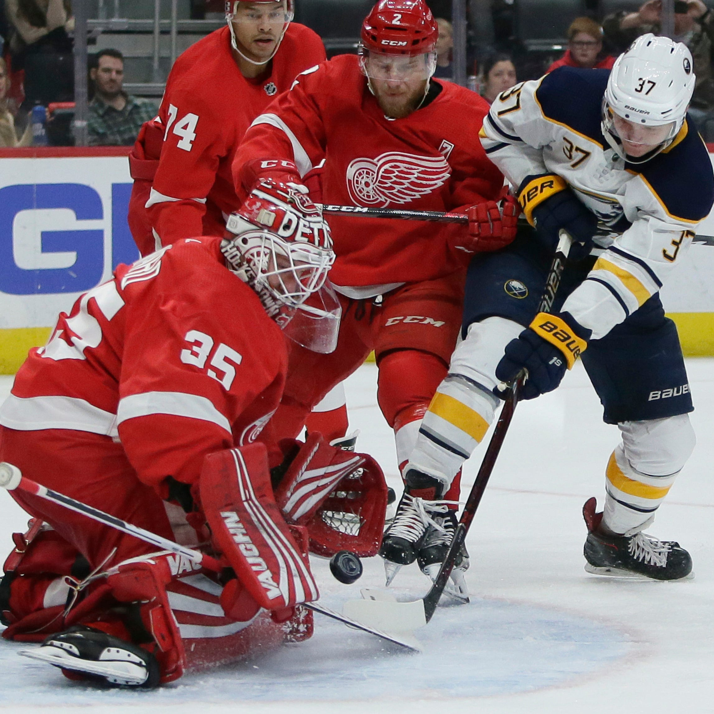 Detroit Red Wings booed in 7-1 loss to Buffalo Sabres in season finale
