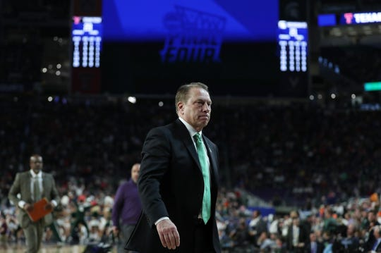 Tom Izzo walks off the court at halftime Saturday at U.S. Bank Stadium in Minneapolis.