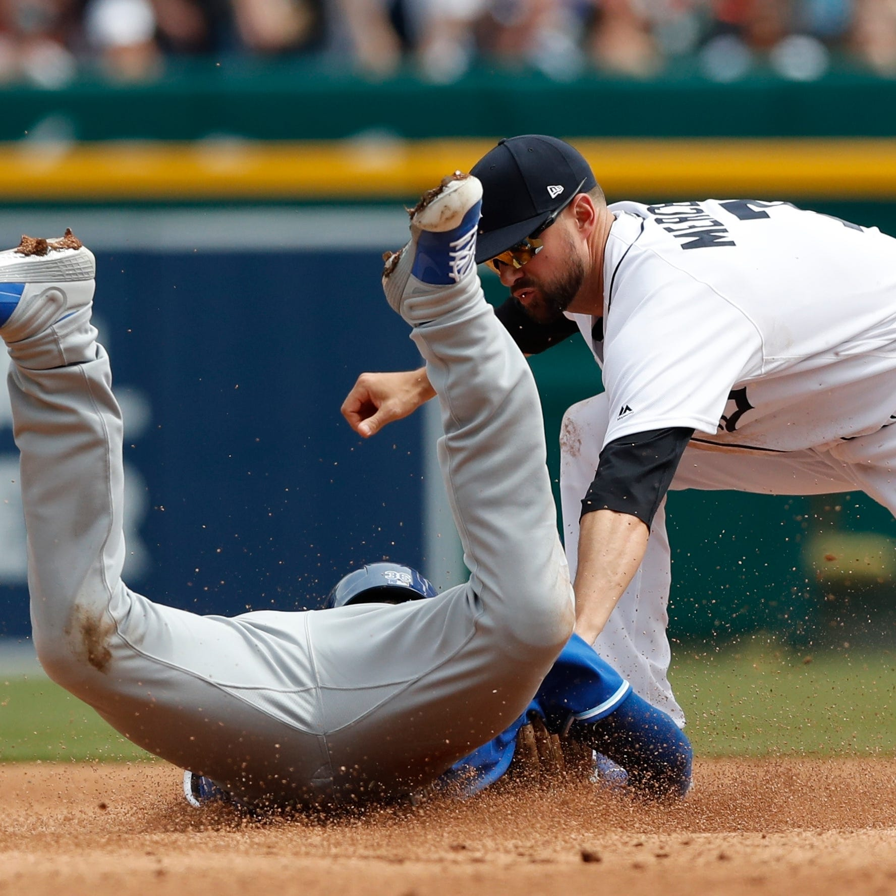 Defense, Tyson Ross star as Tigers sweep Royals to push win streak to 5