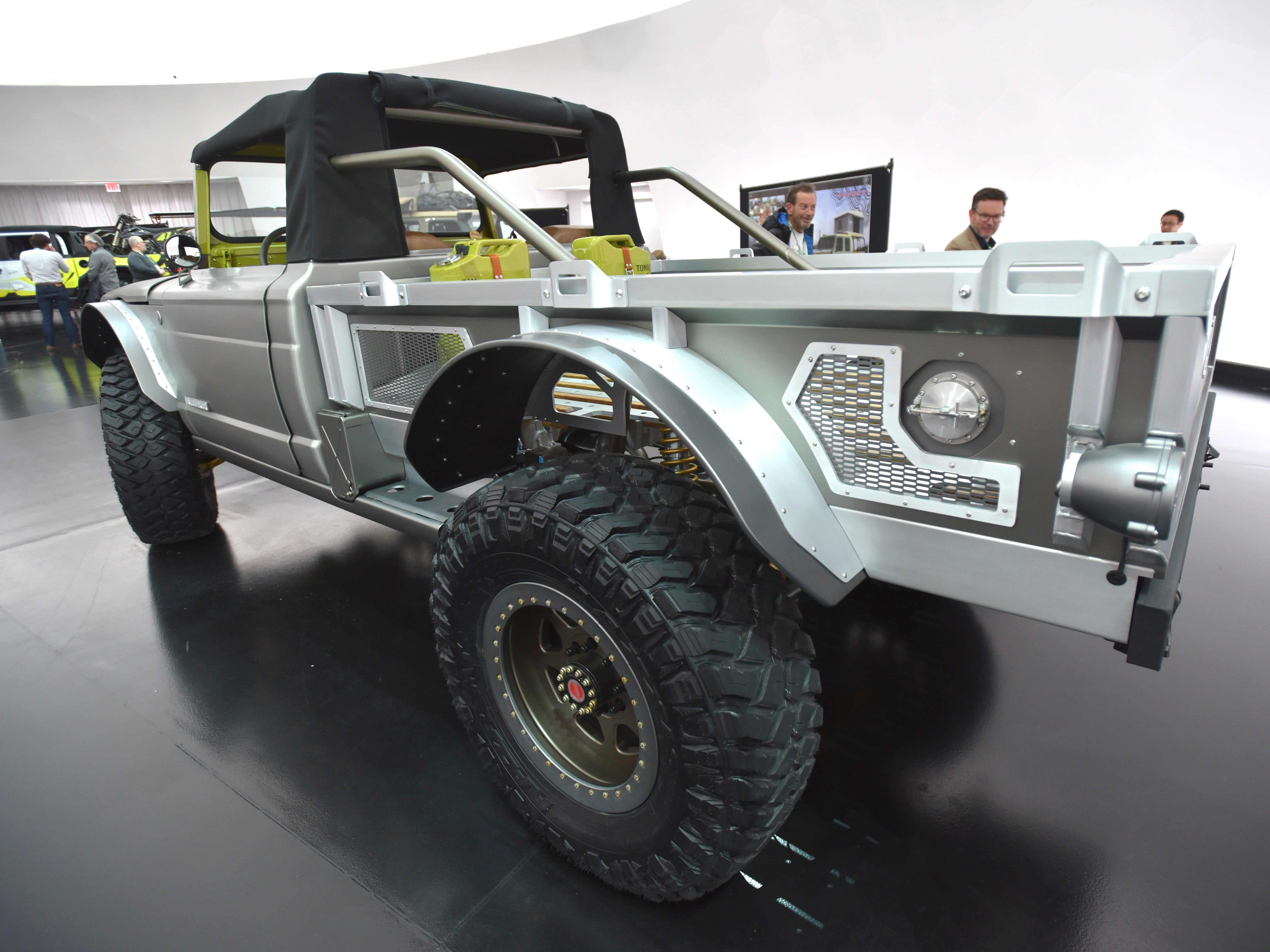 This is the Jeep M-715 Five-Quarter.