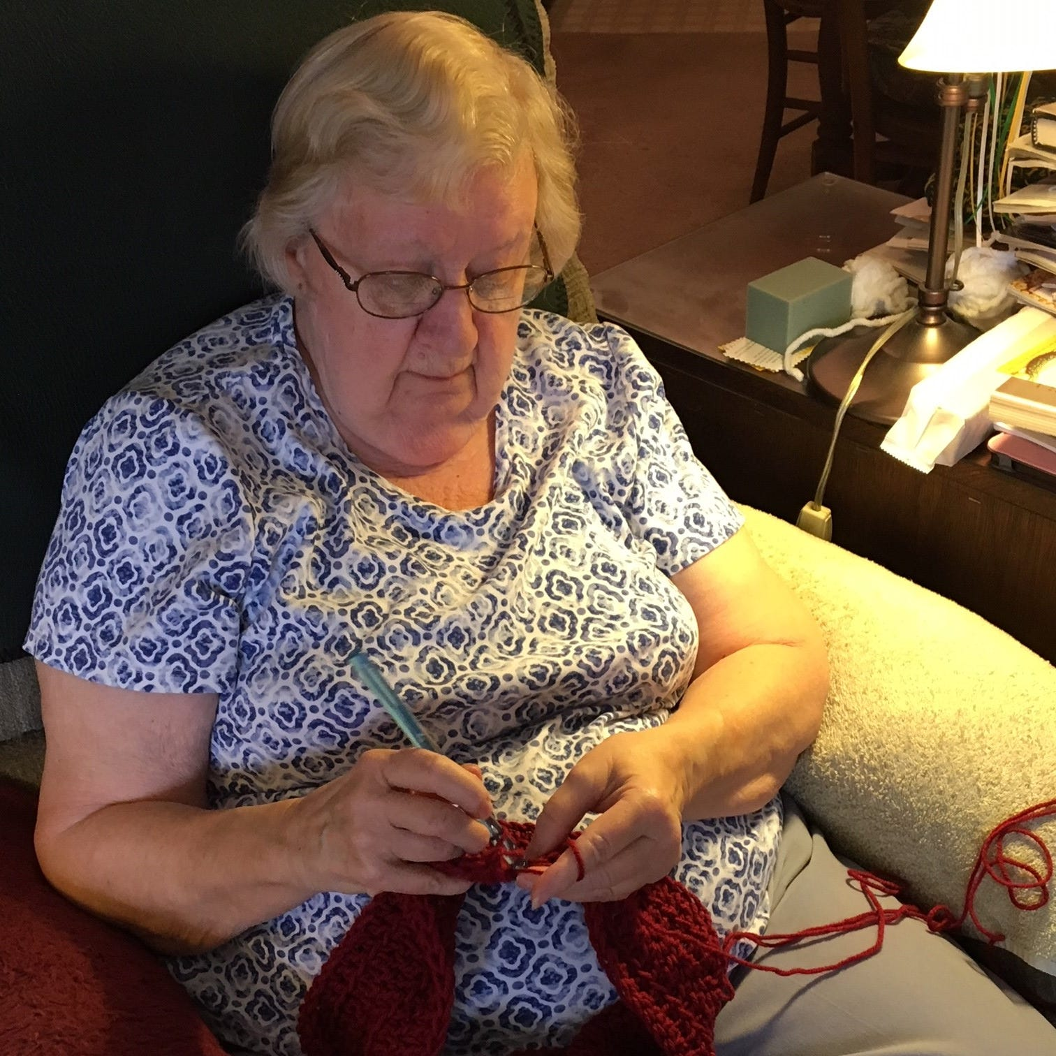 Nearly 15 years and 5,000 donations: Fond du Lac hospice volunteer crochets to make a difference