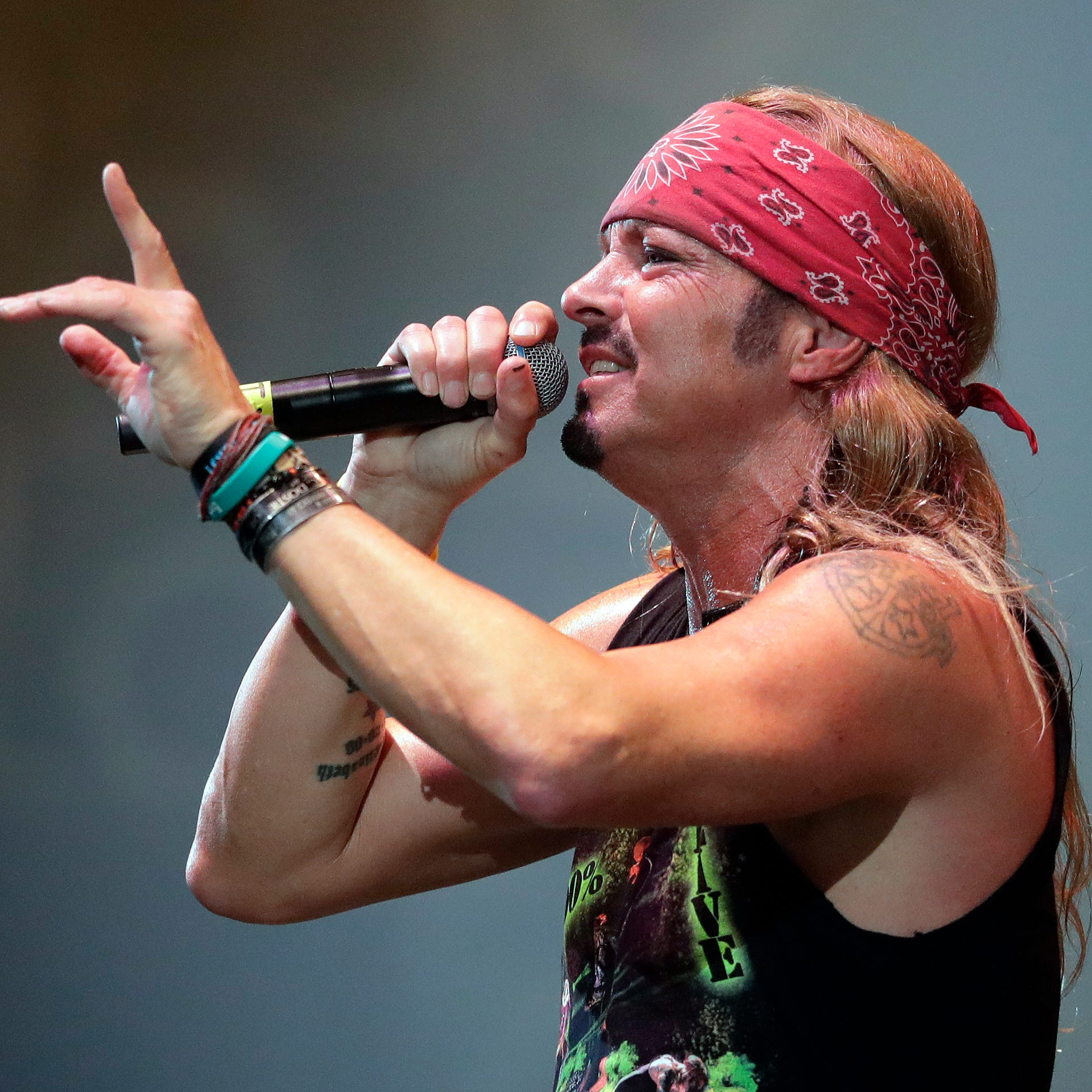 Good times, memories come flooding back as Bret Michaels plays final Brown Co. arena show