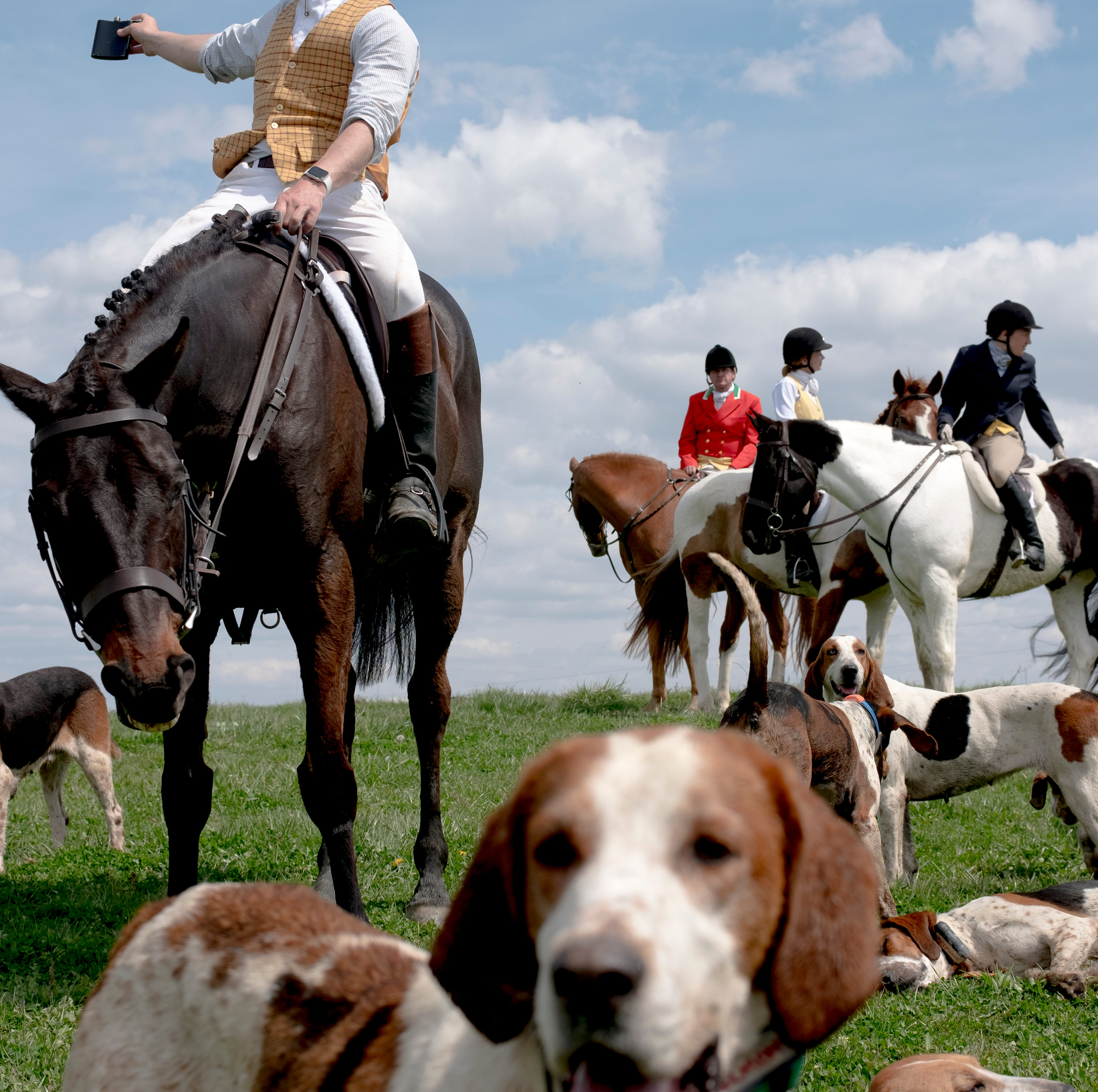 Centuries of fox hunting tradition kept alive in New Market club