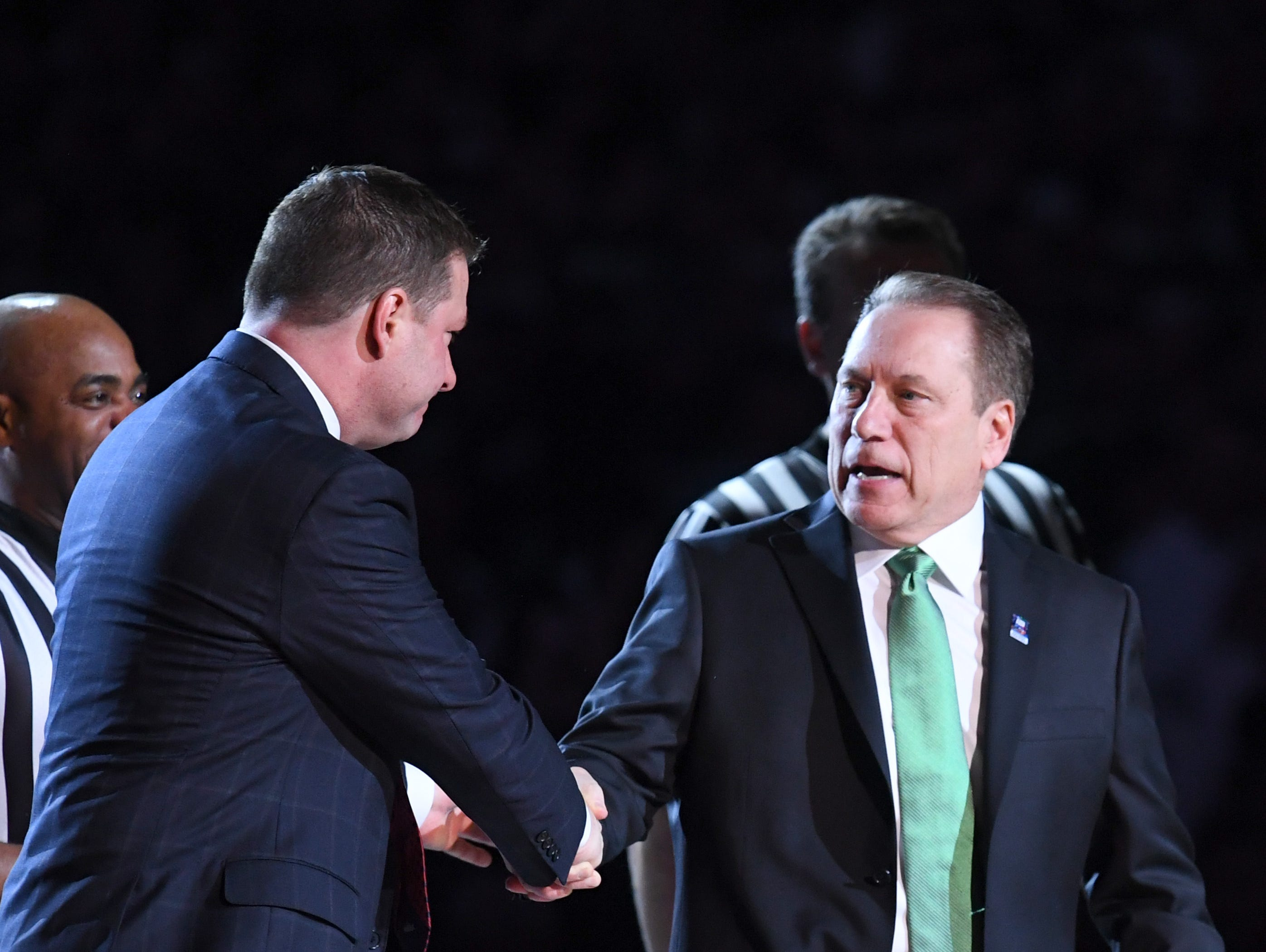 Apr 6, 2019; Minneapolis, MN, USA; Michigan State Spartans head coach Tom Izzo (right) shakes hands with Texas Tech Red Raiders head coach Chris Beard prior to the start of game 2 in the semifinals of the 2019 men's Final Four at US Bank Stadium. Mandatory Credit: Robert Deutsch-USA TODAY Sports