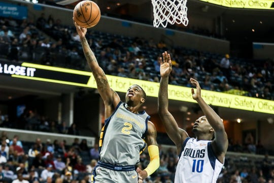 April 07, 2019 - Memphis' Delon Wright attempts a shot during Sunday night's game versus the Dallas Mavericks at the FedExForum.