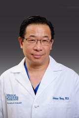 Johnny C. Hong, MD, director of the Solid Organ Transplant Program at Froedtert & the Medical College of Wisconsin Froedtert Hospital.
