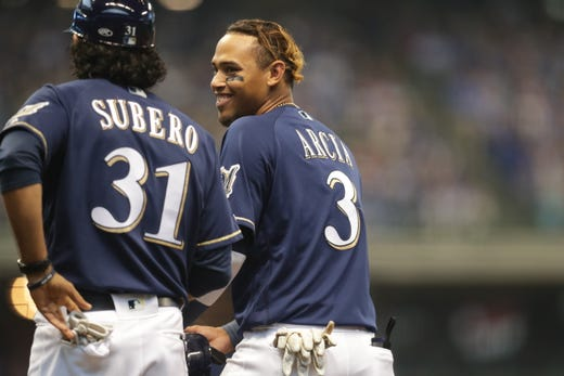 Brewers 4 Cubs 2 Milwaukee Takes 2 Of 3 In Series At