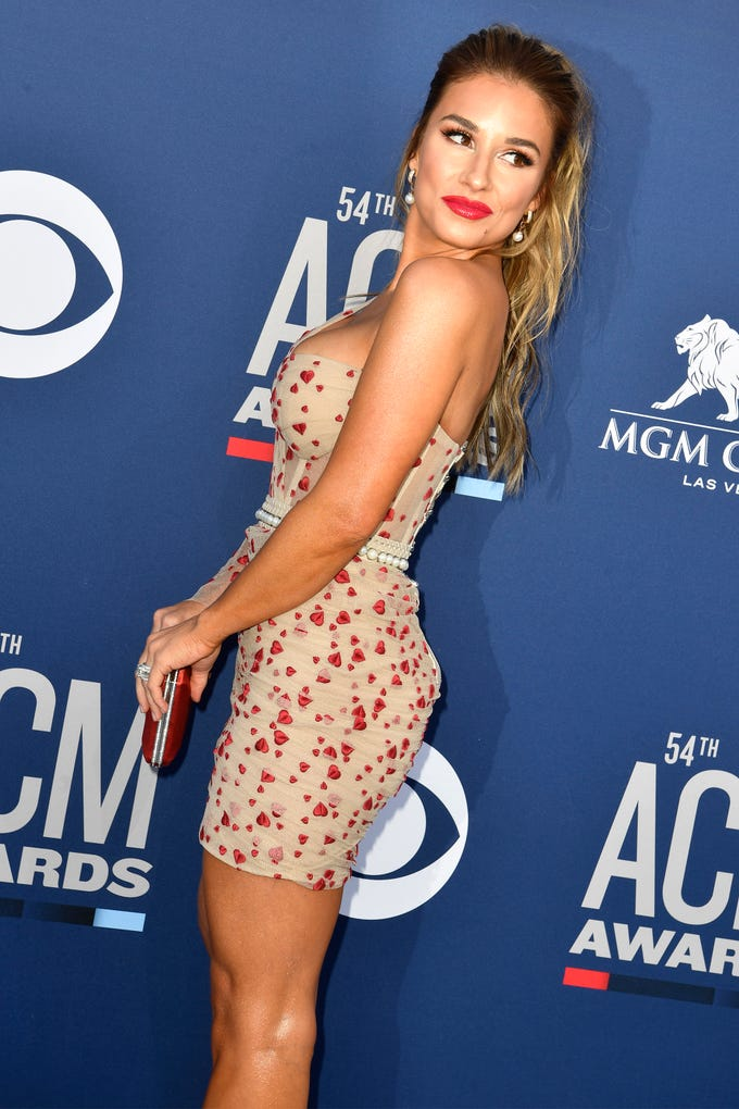 Jessie James Decker walks the red carpet at the 54TH Academy of Country Music Awards Sunday, April 7, 2019, in Las Vegas, Nev.
