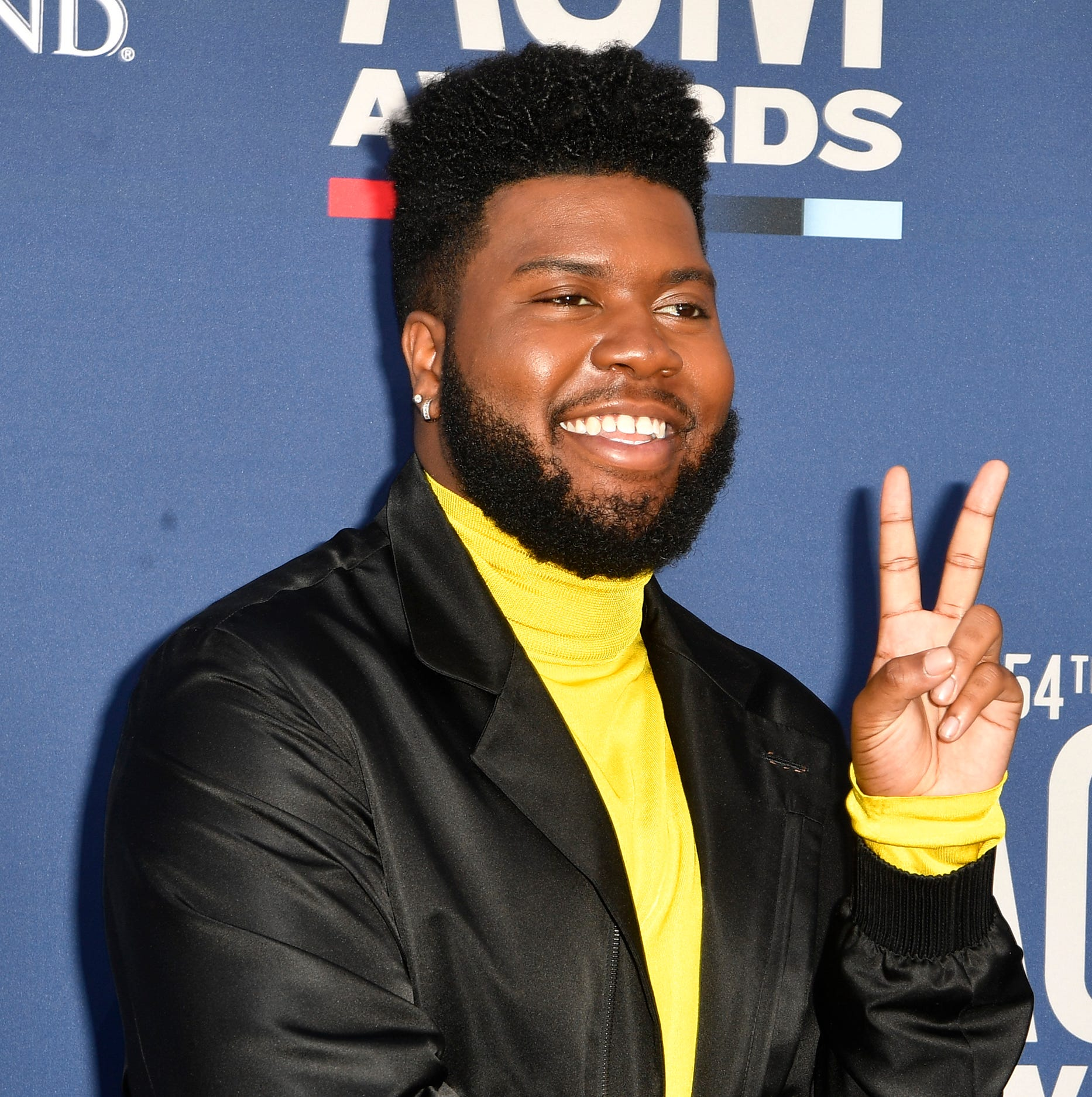 El Paso R&B singer Khalid goes country with Kane Brown at CMAs 2019