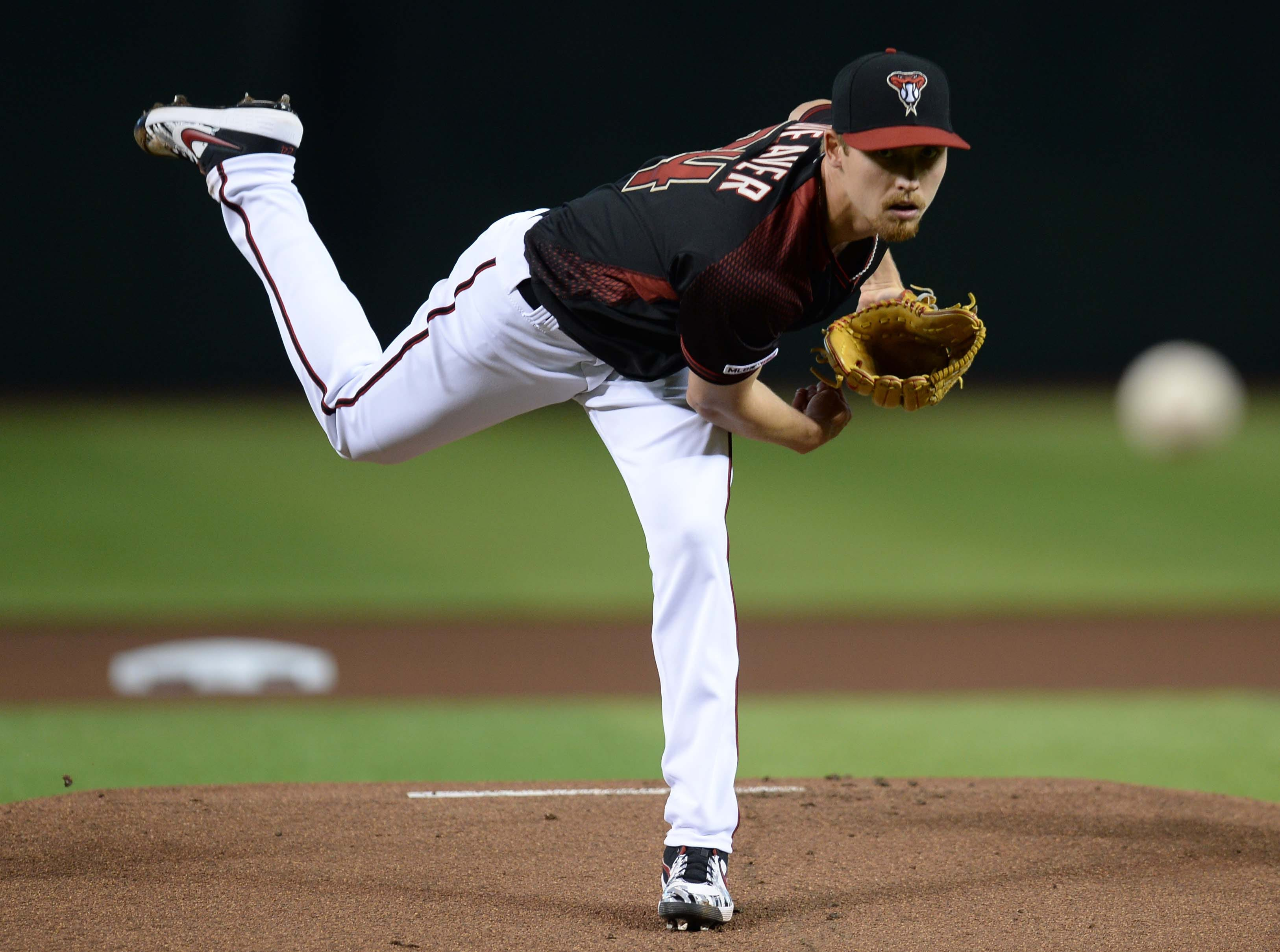 Apr 6, 2019; Phoenix, AZ, USA; Arizona Diamondbacks starting pitcher Luke Weaver (24) pitches against the Boston Red Sox during the first inning at Chase Field. Mandatory Credit: Joe Camporeale-USA TODAY Sports