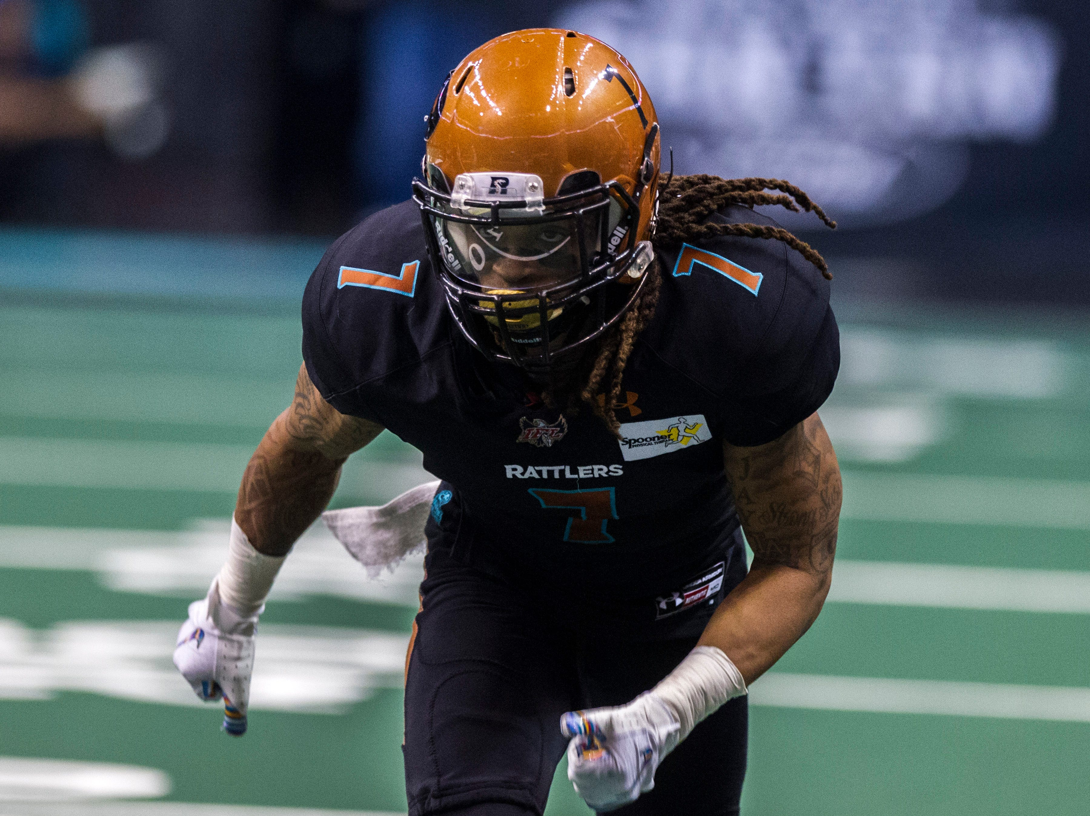Arizona Rattlers' Sheldon Augustine (7) runs downfield against the San Diego Strike Force during their game at Talking Stick Resort Arena in Phoenix Friday, April. 6, 2019.