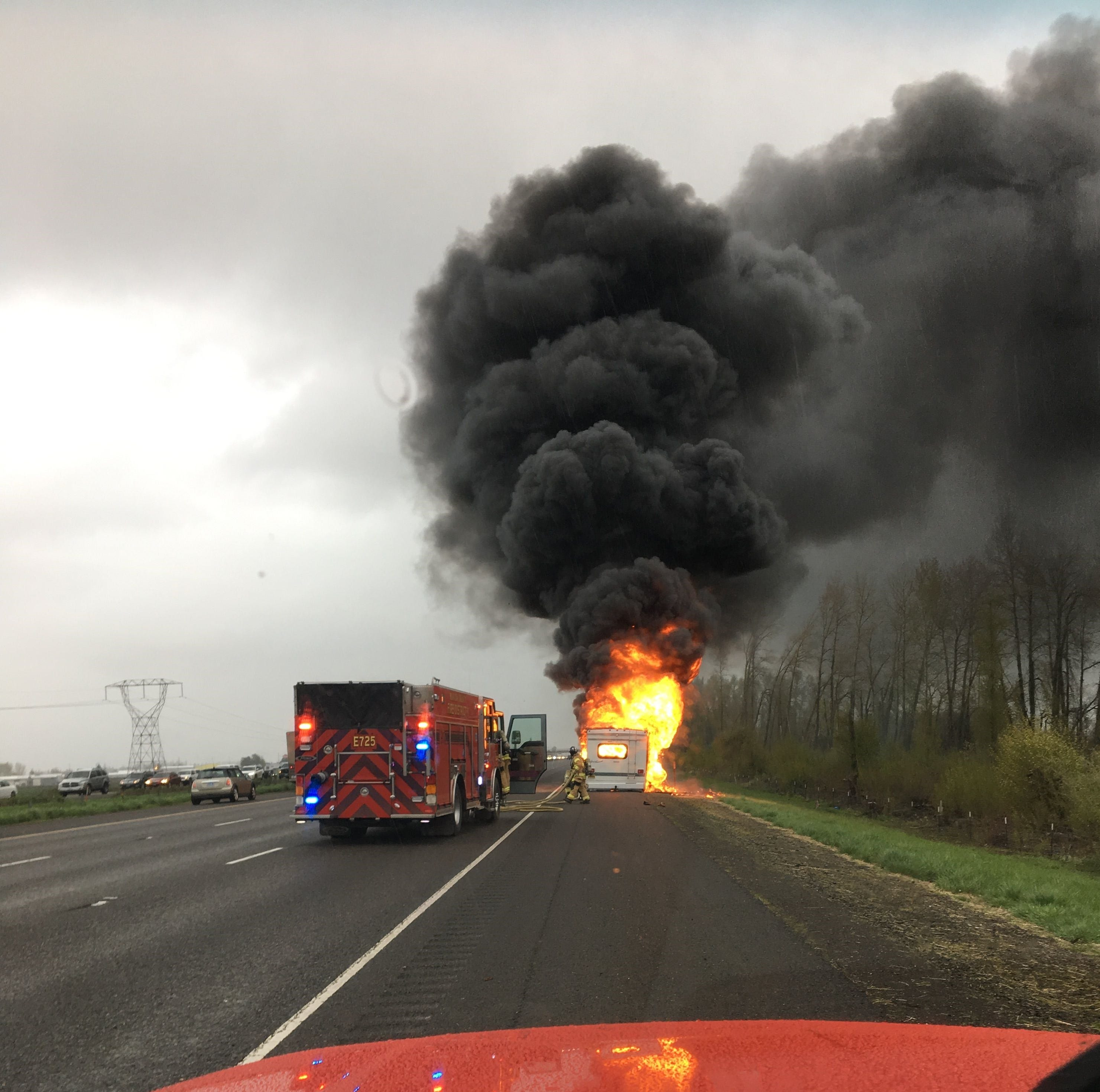 Occupants survive motorhome fire on northbound I-5 near Brooks