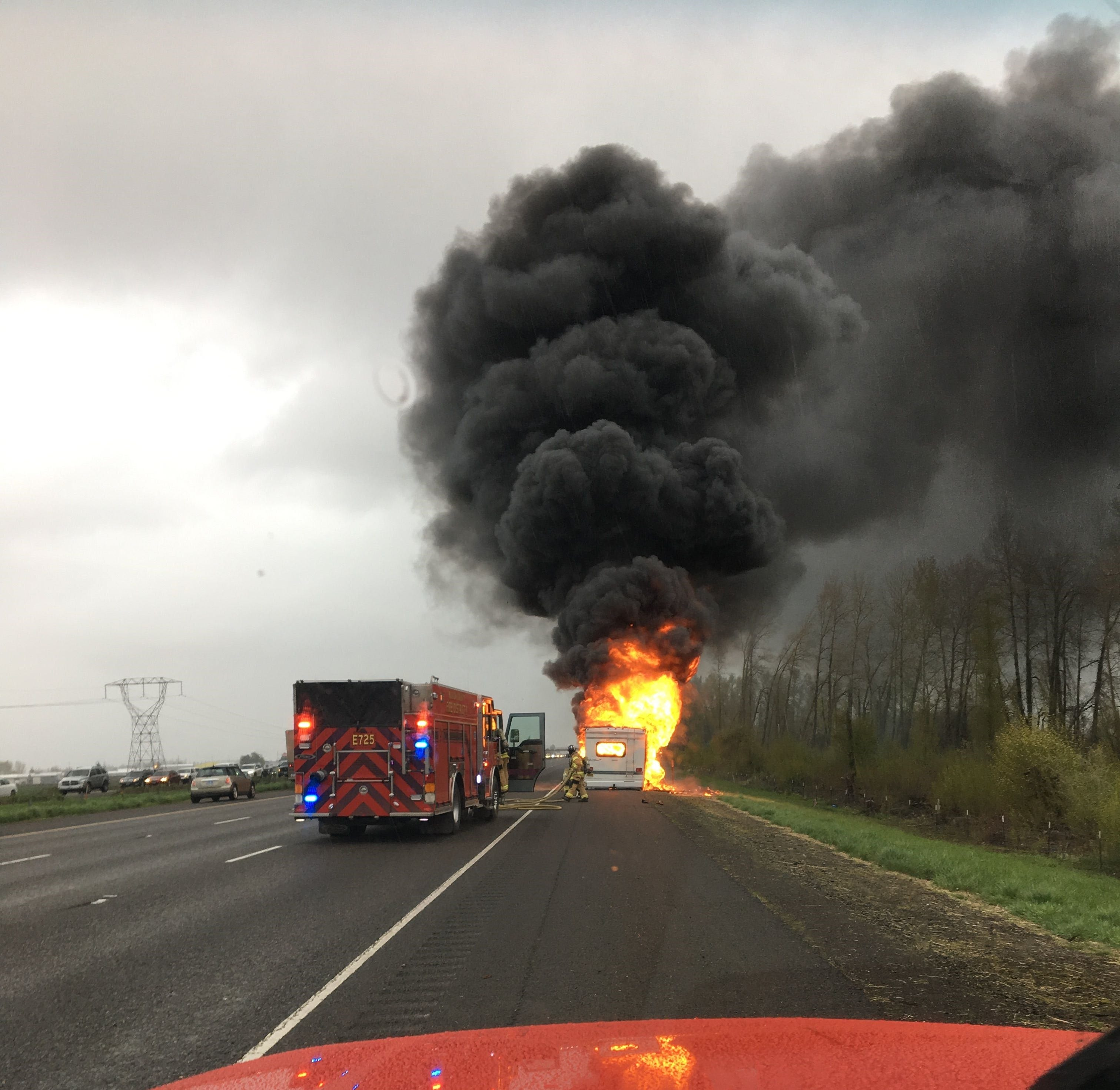 Traffic clearing following motorhome fire on I-5 between Keizer Brooks