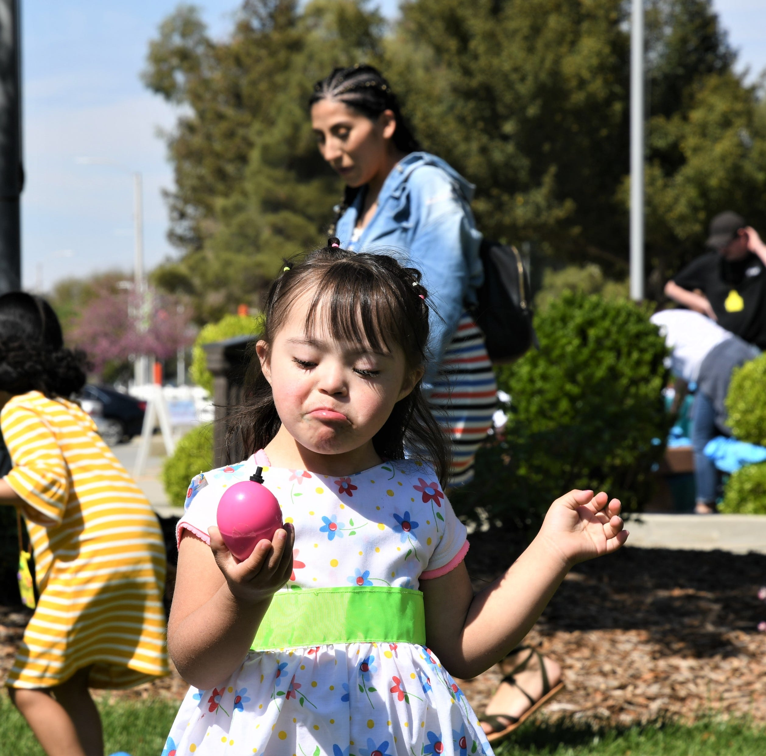 Blind Tulare County youth experience Easter tradition in annual 'Beeper Egg Hunt'