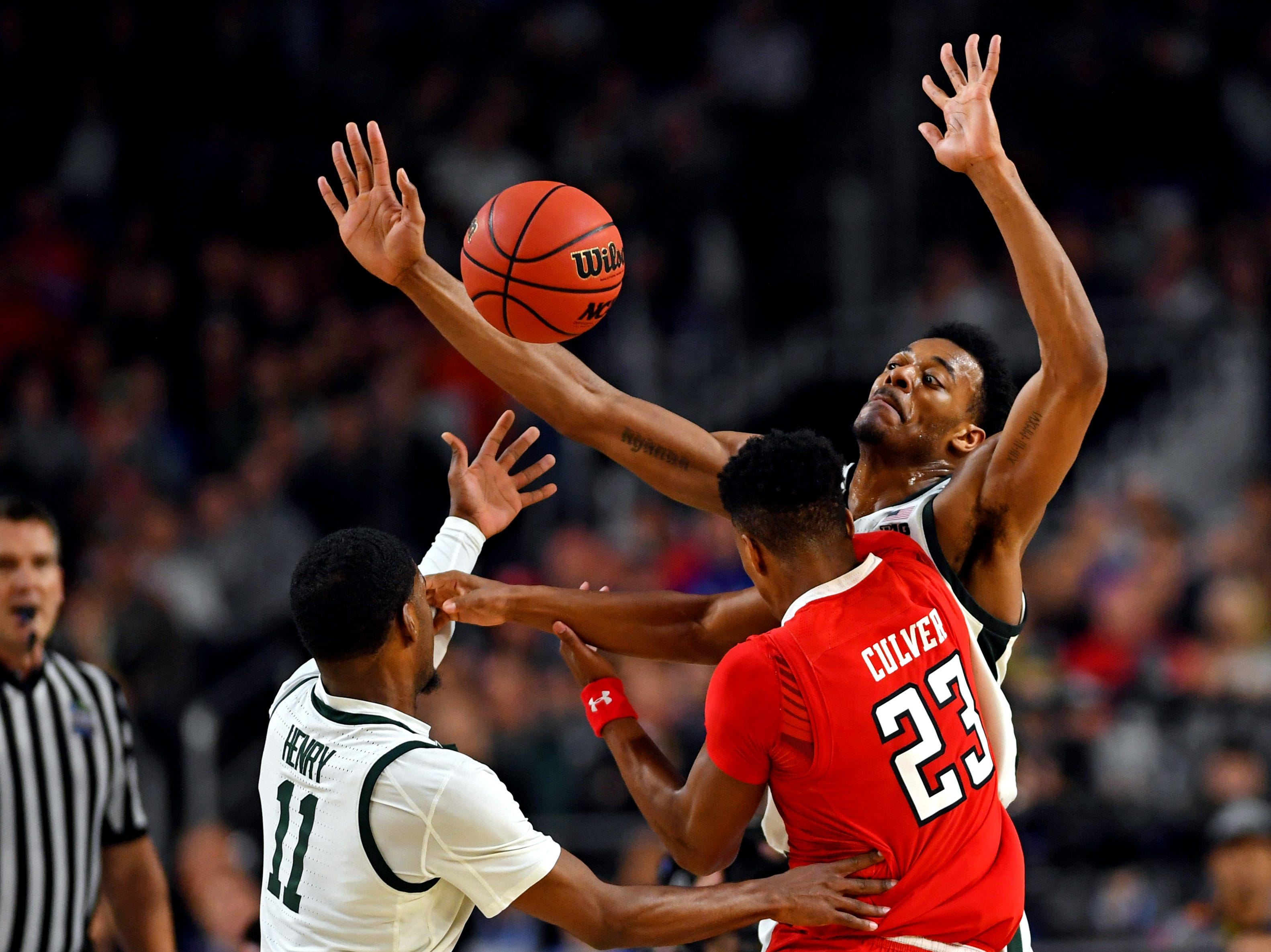 Texas Tech Red Raiders guard Jarrett Culver (23) drives to the basket against the Michigan State Spartans.