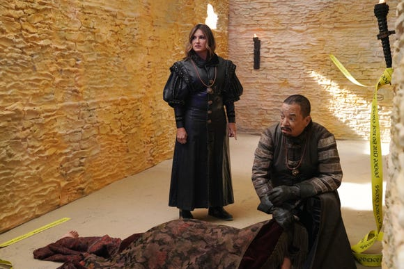 "Mariska Hargitay and Ice-T bring the Special Victims Unit to the world of ""Game of Thrones."" (Photo: NBC, Rosalind O'Connor/NBC)"