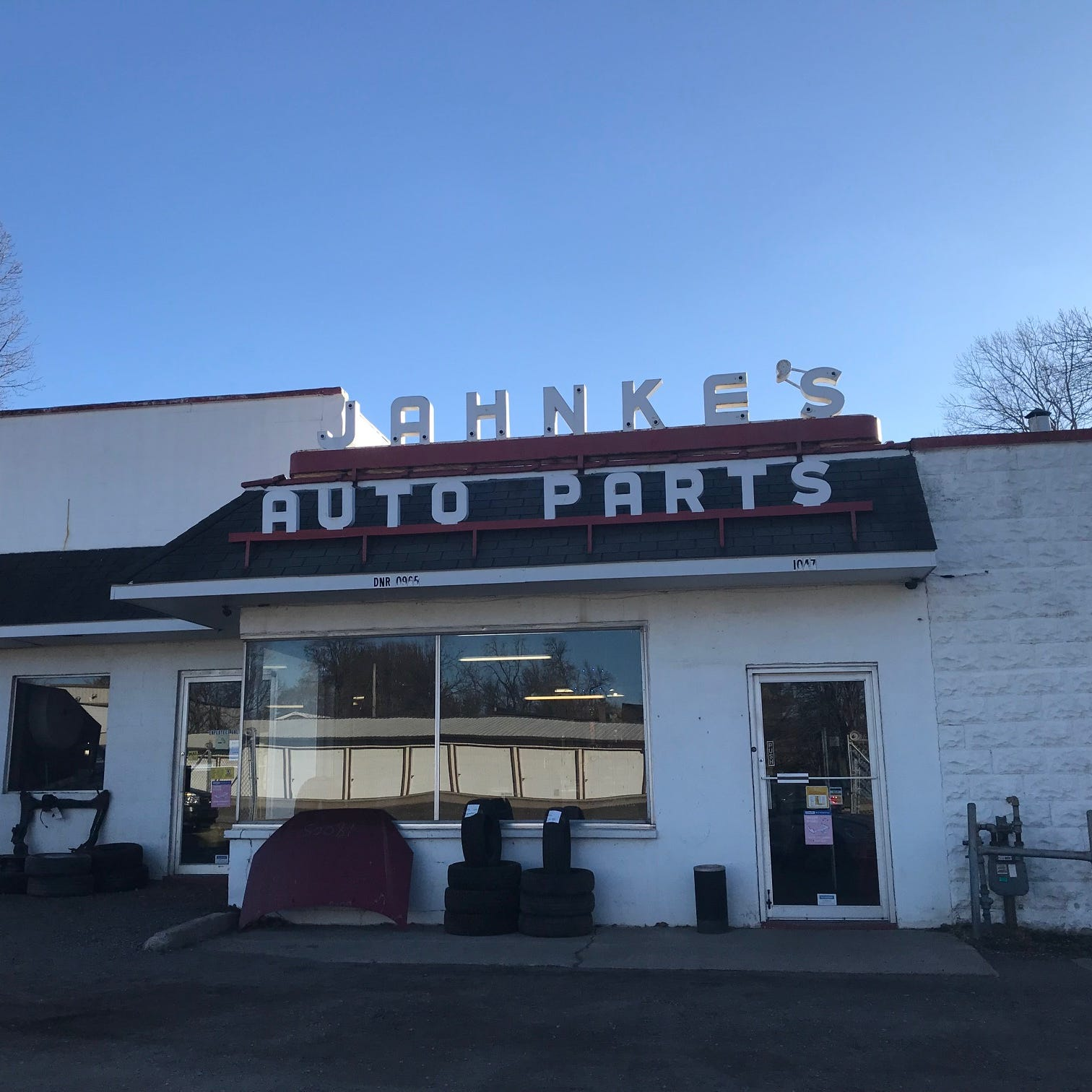 The Buzz: What's going on at Jahnke's?