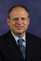 Robert Segal MD