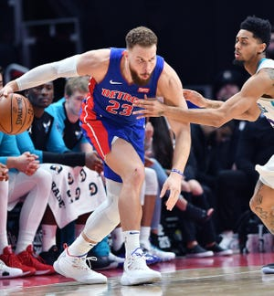 Pistons forward Blake Griffin's sore left knee limited him to 18 minutes in the team's final regular-season home game against the Memphis Grizzlies.