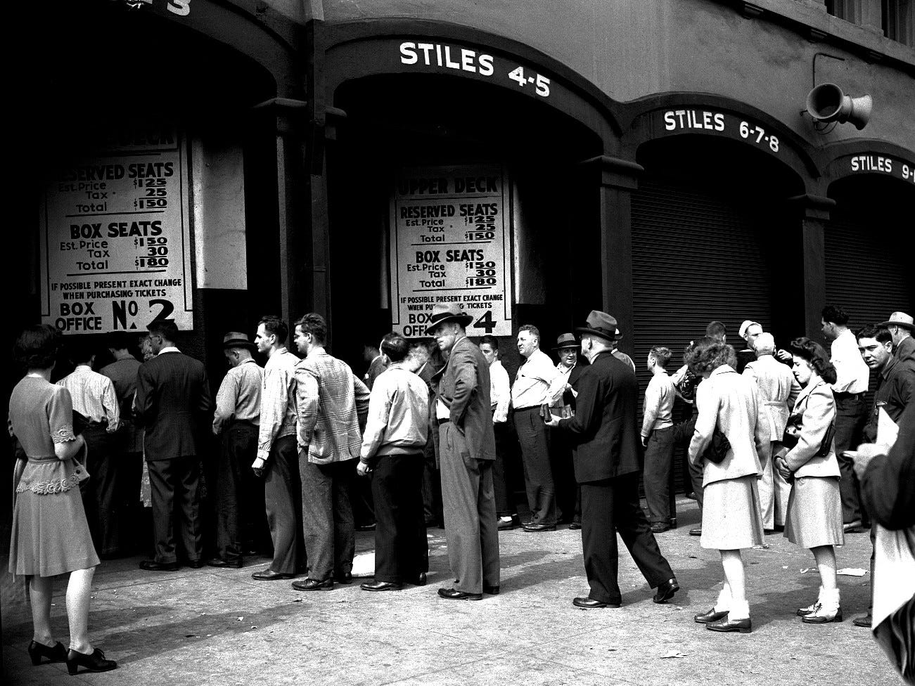 Tigers fans line up to get into Briggs Stadium in 1944, when box seats were going for $1.50 plus tax.