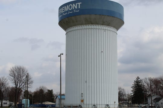 Fremont City Council approved two ordinances to repaint and make improvements to the Cedar Street Water Tower. Work on the projects should begin in June.