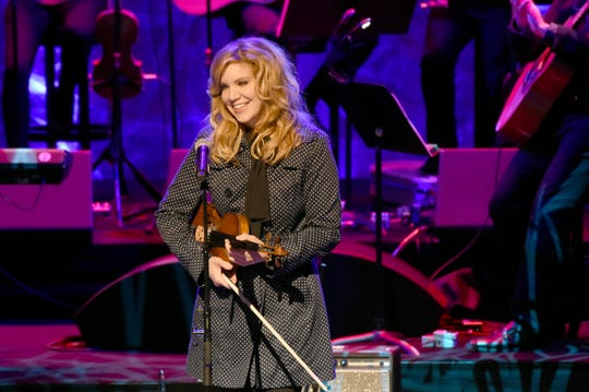 Singer Alison Krauss performs at the Country Music Hall of Fame and Museum Medallion Ceremony in 2017.