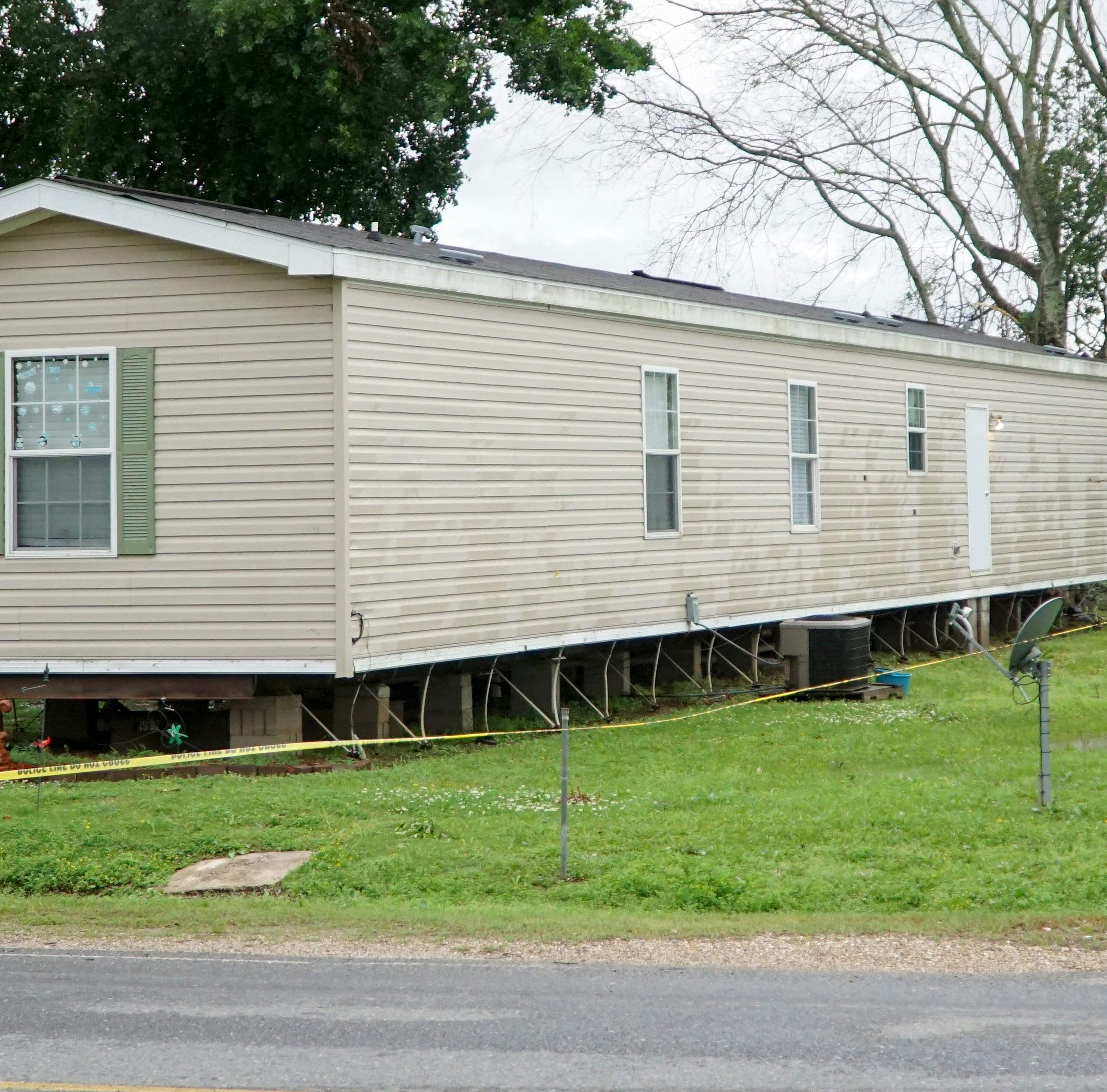 Man killed in break-in at mobile home in Grand Coteau