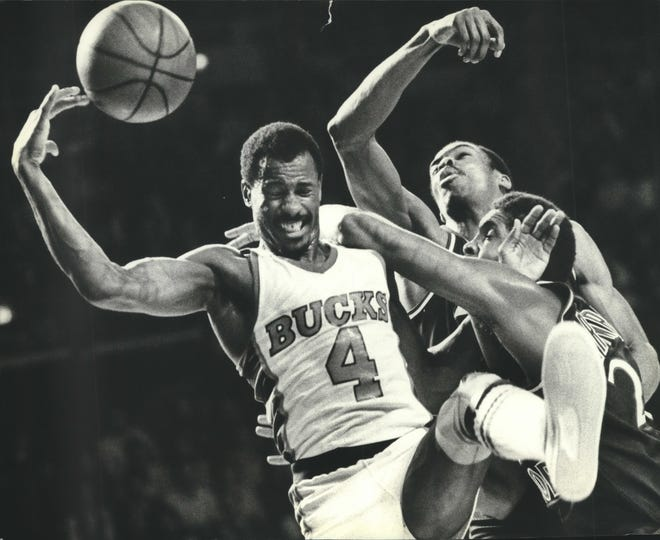 University of Arkansas basketball legend and Hall of Fame electee Sidney Moncrief is pictured in a 1981 game against the New York Knicks. Moncrief will be one of the Keynote Speakers at the Governor's Fatherhood Summit.
