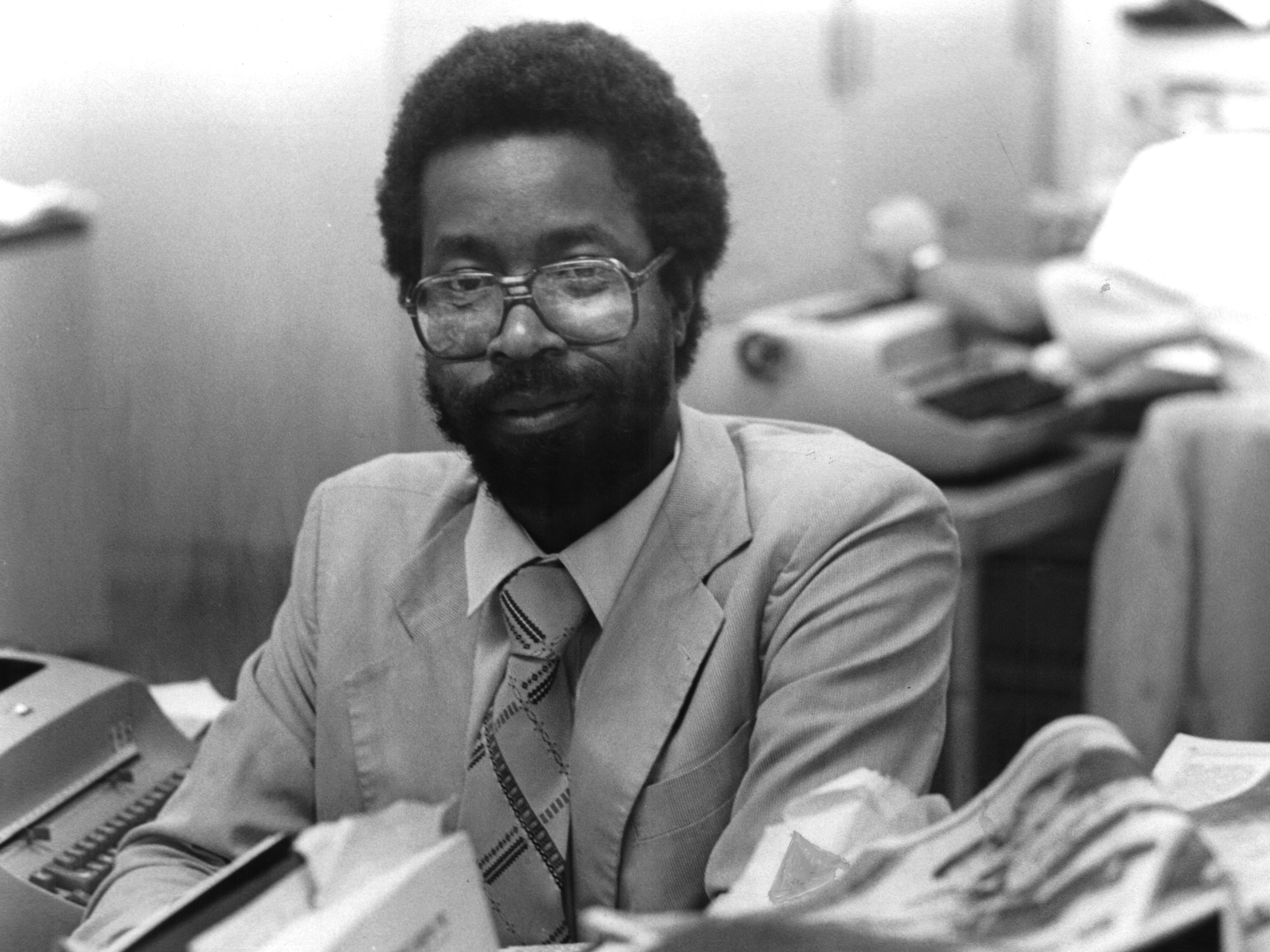 1981: Milwaukee Journal reporter Greg Stanford at his desk.