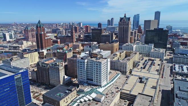 The city of Milwaukee skyline