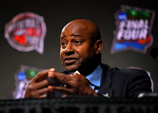 Sidney Moncrief speaks during the Basketball Hall of Fame press conference in Minneapolis.