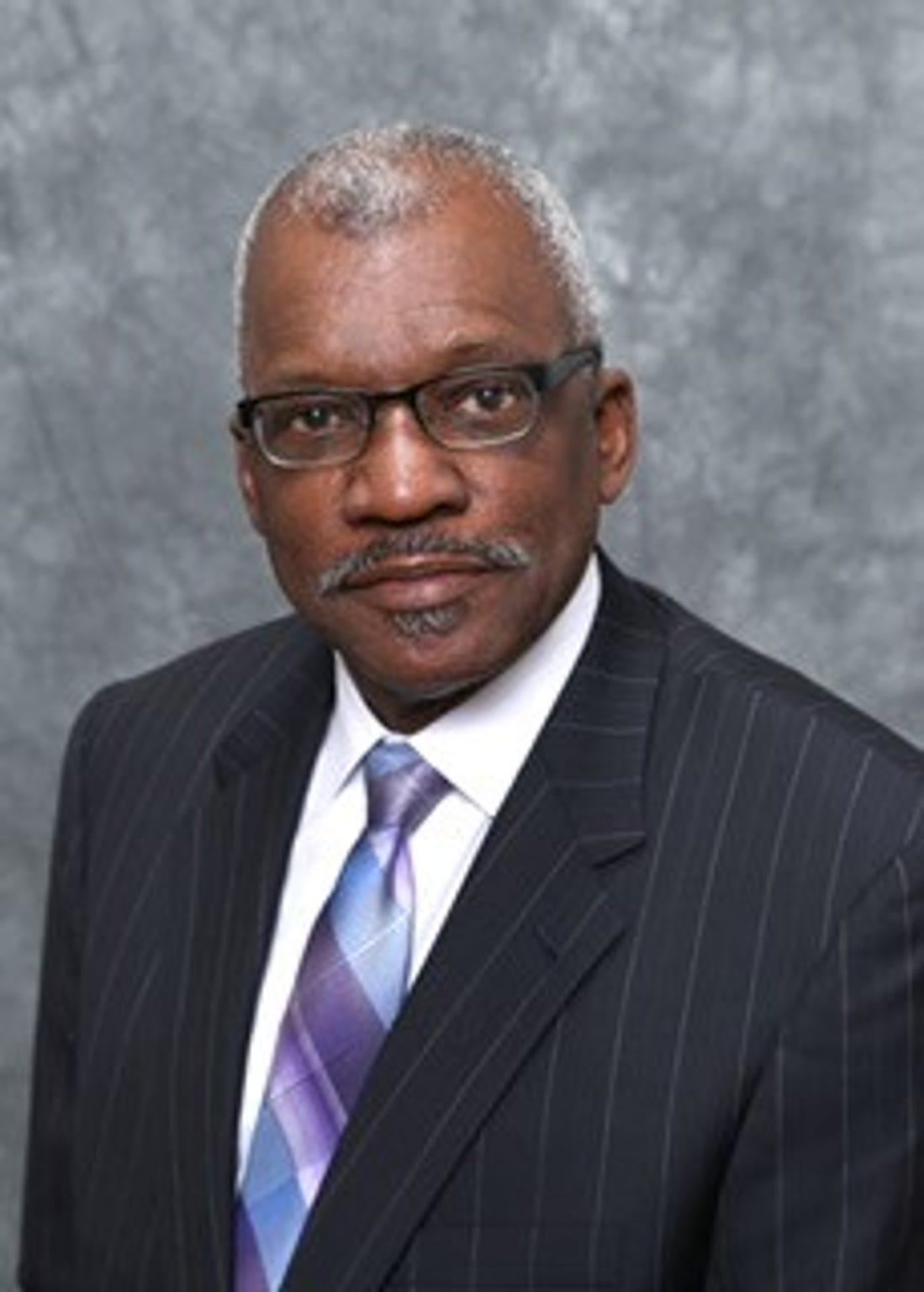 Ronald Davis, a Montgomery pastor, will run for mayor