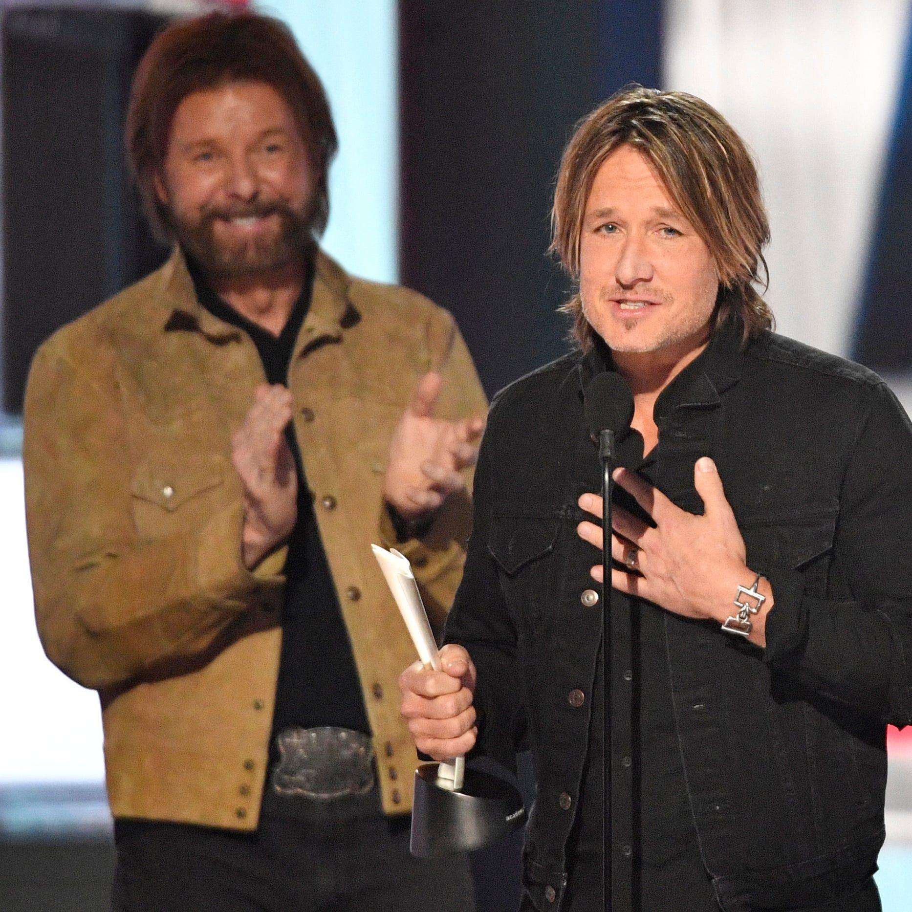 ACM Awards: Keith Urban, Dan + Shay reign