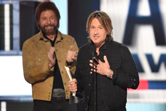 Keith Urban accept the Entertainer of the Year Award during the 54TH Academy of Country Music Awards Sunday, April 7, 2019, in Las Vegas, Nev.
