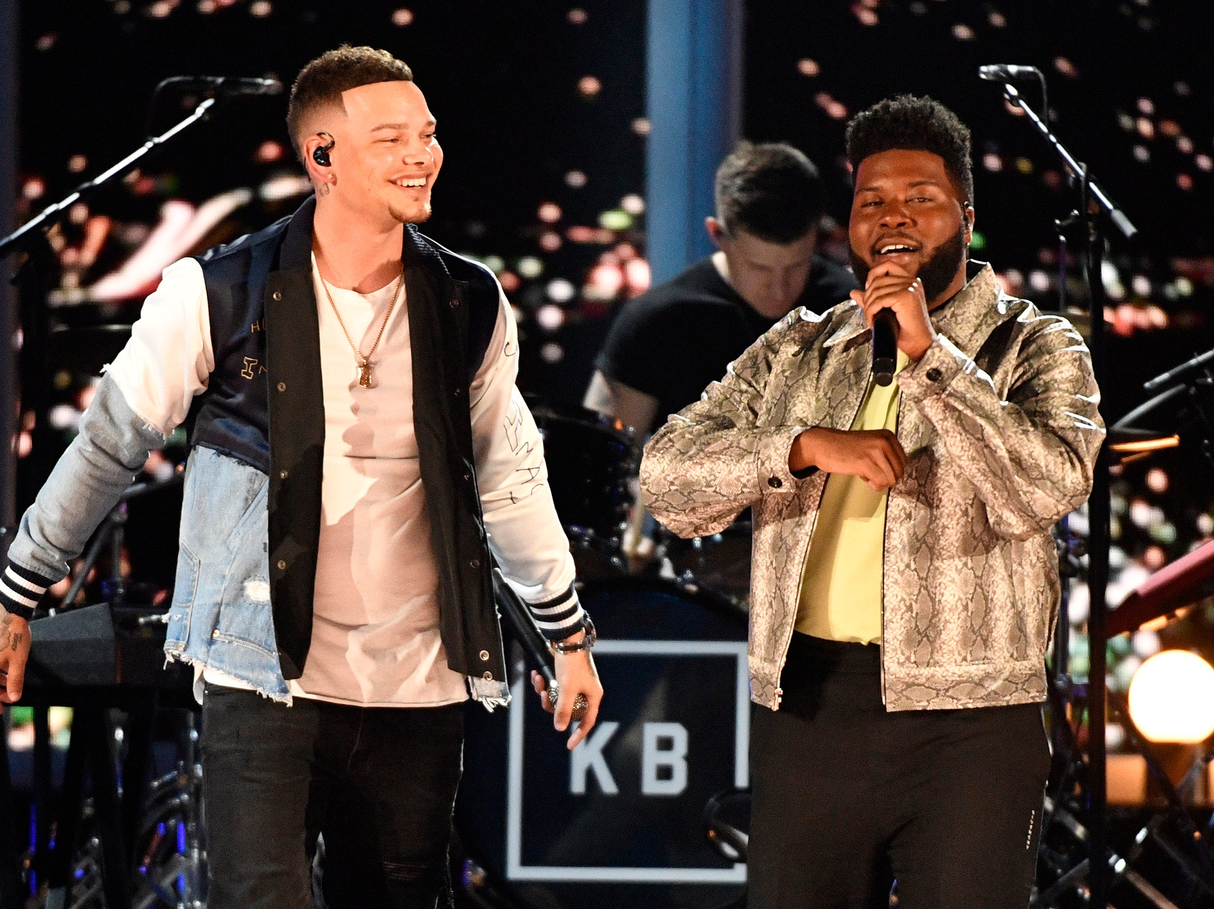 Kane Brown, left, and Khalid perform during the 54TH Academy of Country Music Awards Sunday, April 7, 2019, in Las Vegas, Nev.