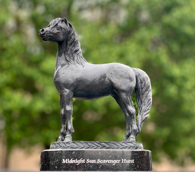 Tourists and Franklin residents can find hidden miniature bronze statues as part of a citywide scavenger hunt.