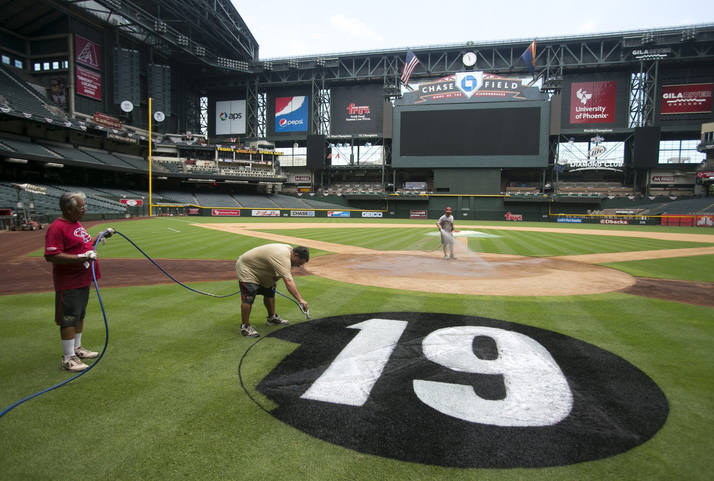 The Diamondbacks honored the Granite Mountain Hotshots with special patches on their jersey and a logo behind home plate.