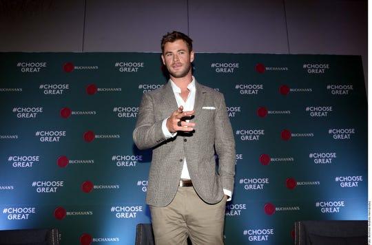 Chris Hemsworth reconoció que no conoce a un actor que no quiera interpretar a James Bond, y que aunque le encantaría participar en la franquicia, no es una decisión que dependa únicamente de él.