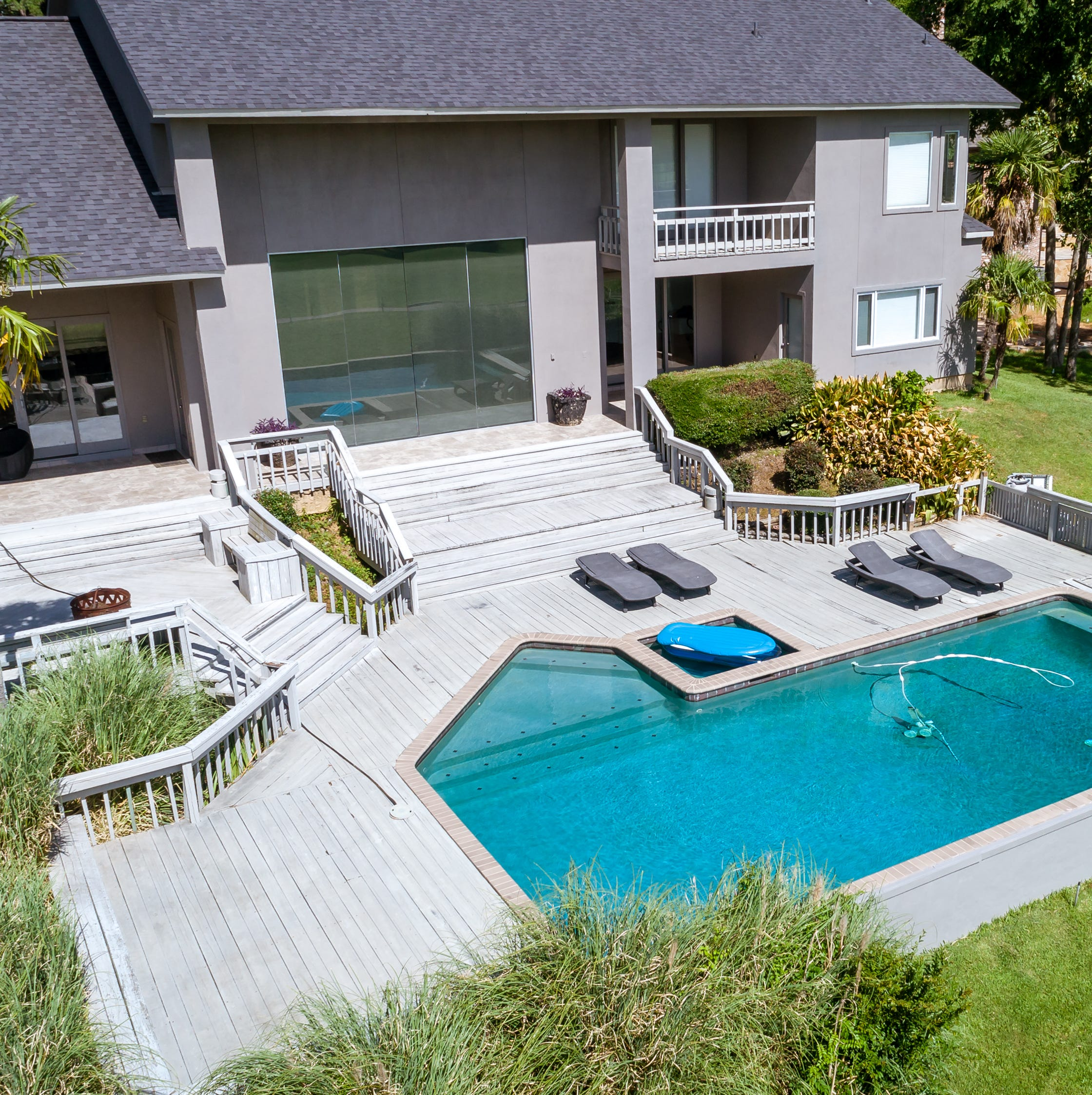 Enjoy country club lifestyle in stunning Southern Trace mansion
