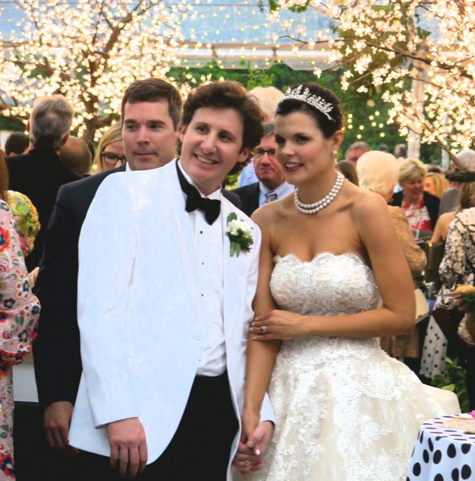 "Boldface ""Wow"" sums up Thompson-Murphy wedding reception"