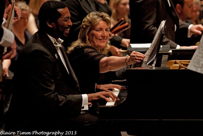 André Thomas shares the piano with Judy Arthur during the Chorus' 8th Annual Unity Concert on Jan. 26, 2013, which celebrated the music of Dr. Thomas