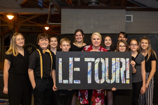 Nichole Nordeman poses with Community Christian School performing arts student group, LeTour!