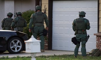 Visalia police are responding to a hostage situation near Pinkham and Walnut. Visalia SWAT has surrounded the home.