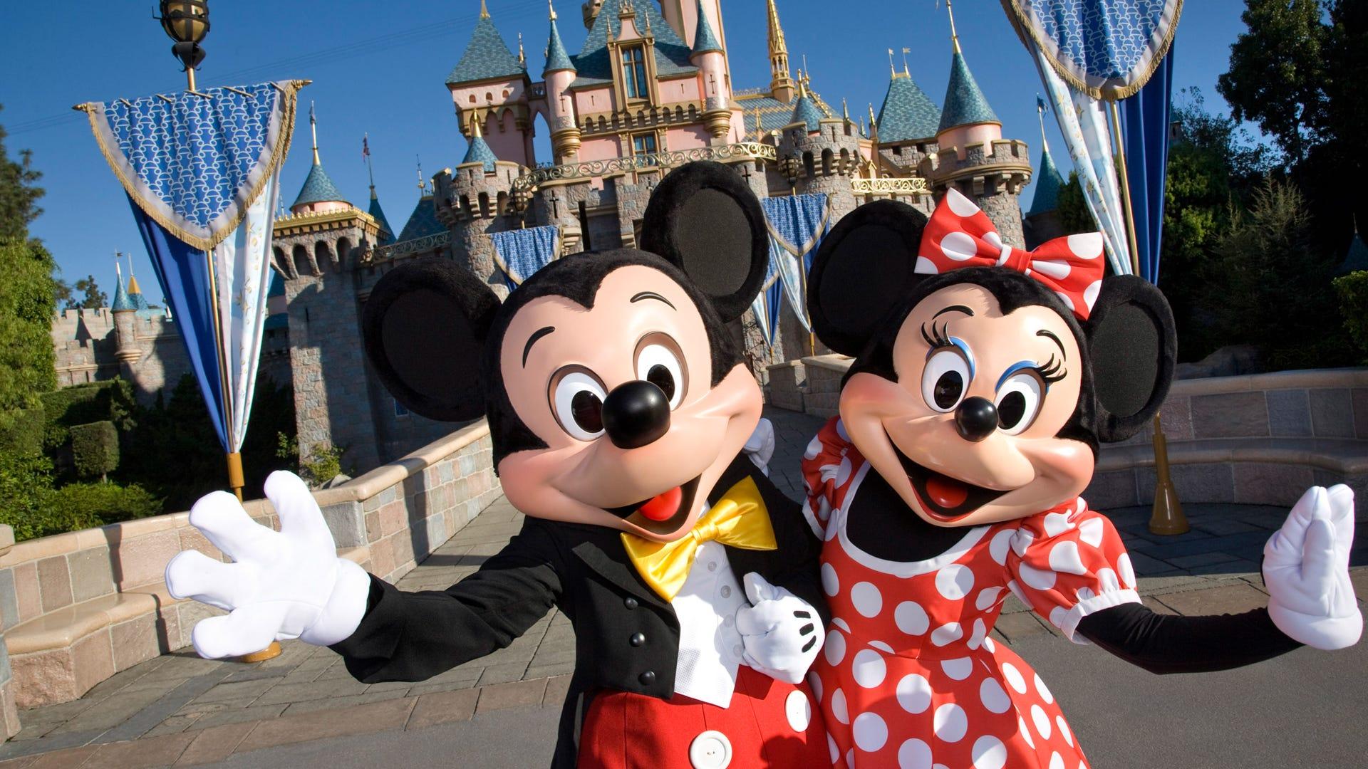 17 money-saving Disney World and Disneyland hacks to try