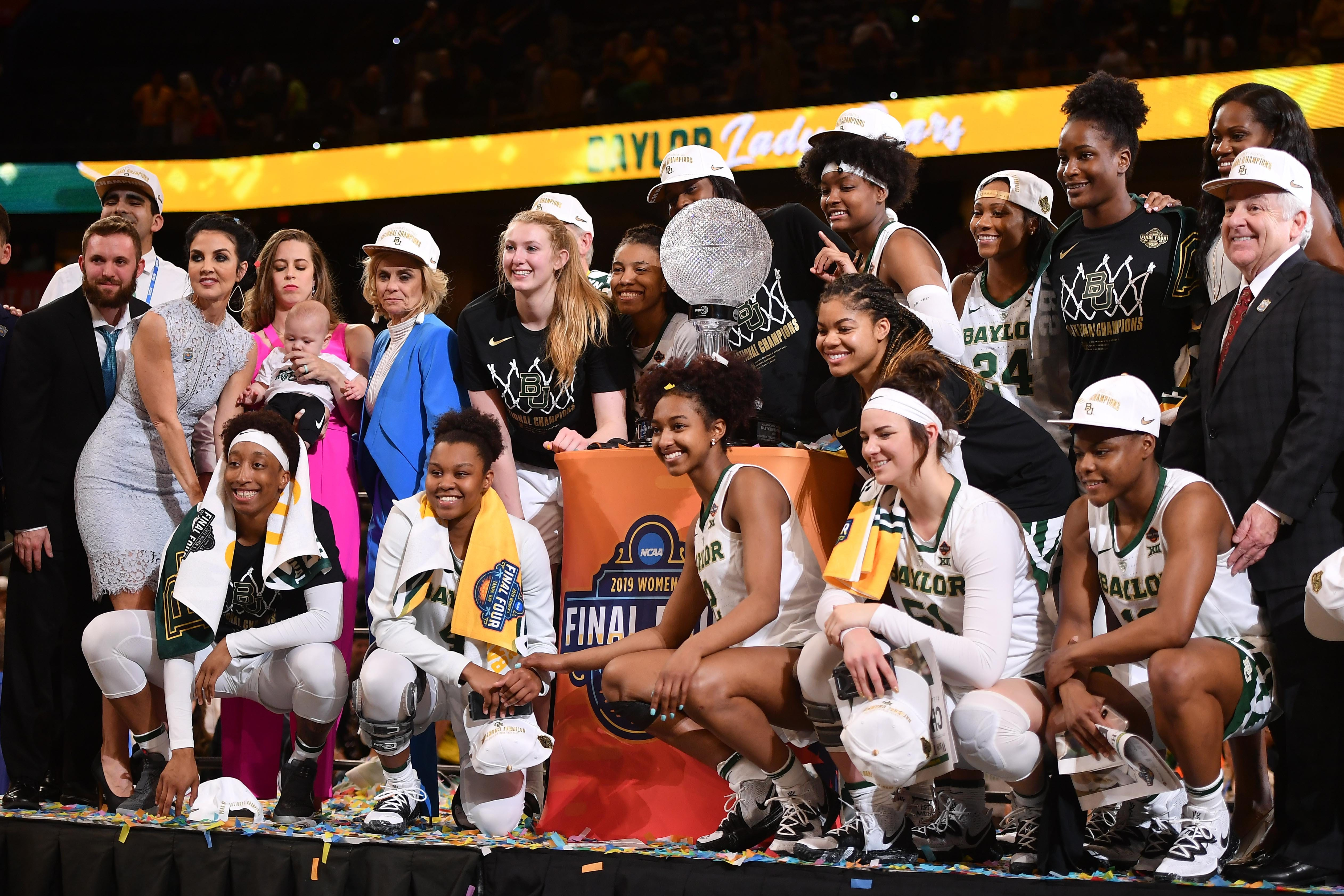 Baylor digs deep to hold off Notre Dame for third women's national championship