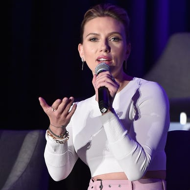 Johansson, Renner love 'Avengers' fans