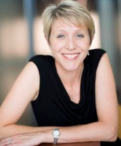 Lynnette Chambers, Philharmonic vocalist