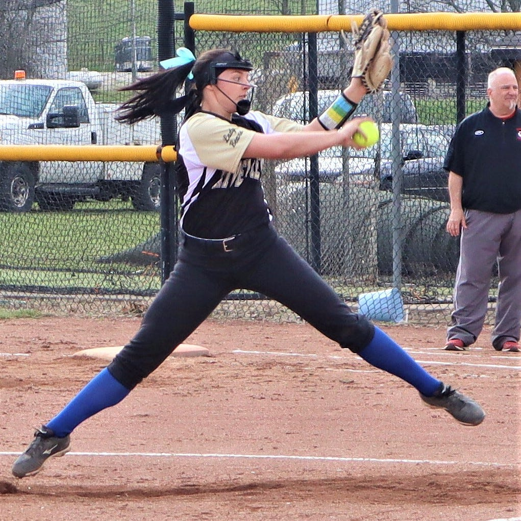 Late surge sends River View past Coshocton